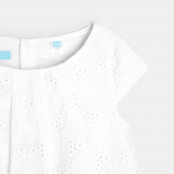 Robe chic broderie anglaise...